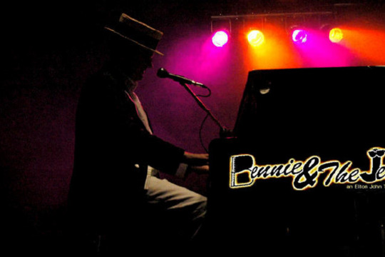 Bennie and the Jets – A Tribute to Elton John